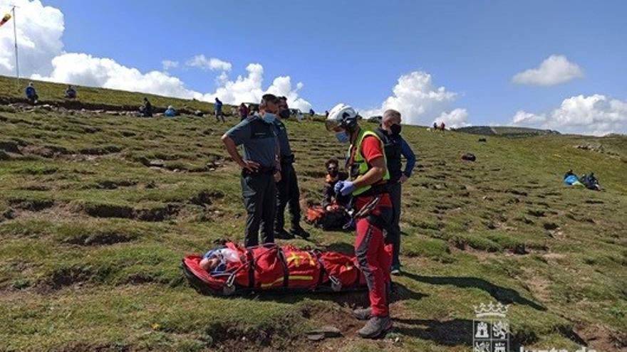 Herido un parapentista que sufrió una caída cuando despegaba en Arcones (Segovia)