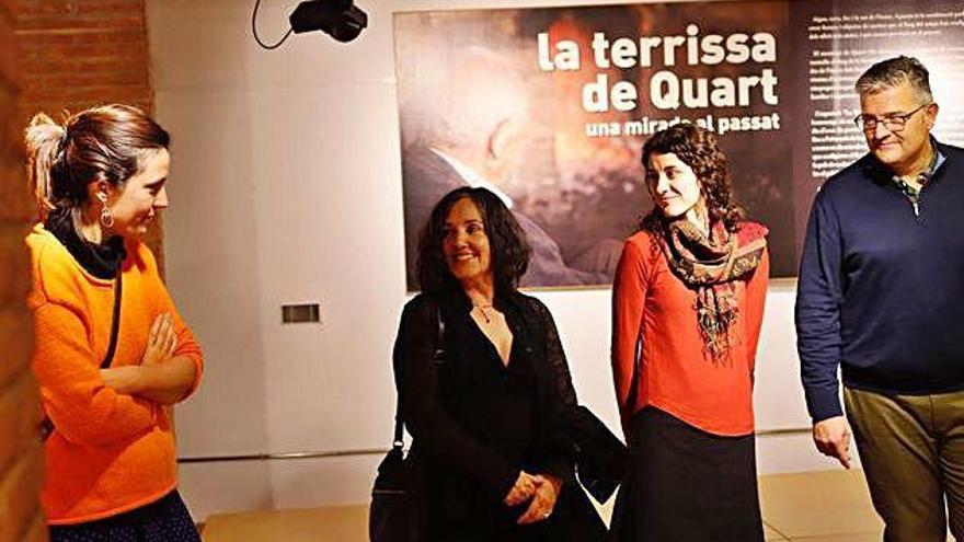 Ondina Oliva porta la seriè «Retrats» en una mostra a les Cotxeres de Sants