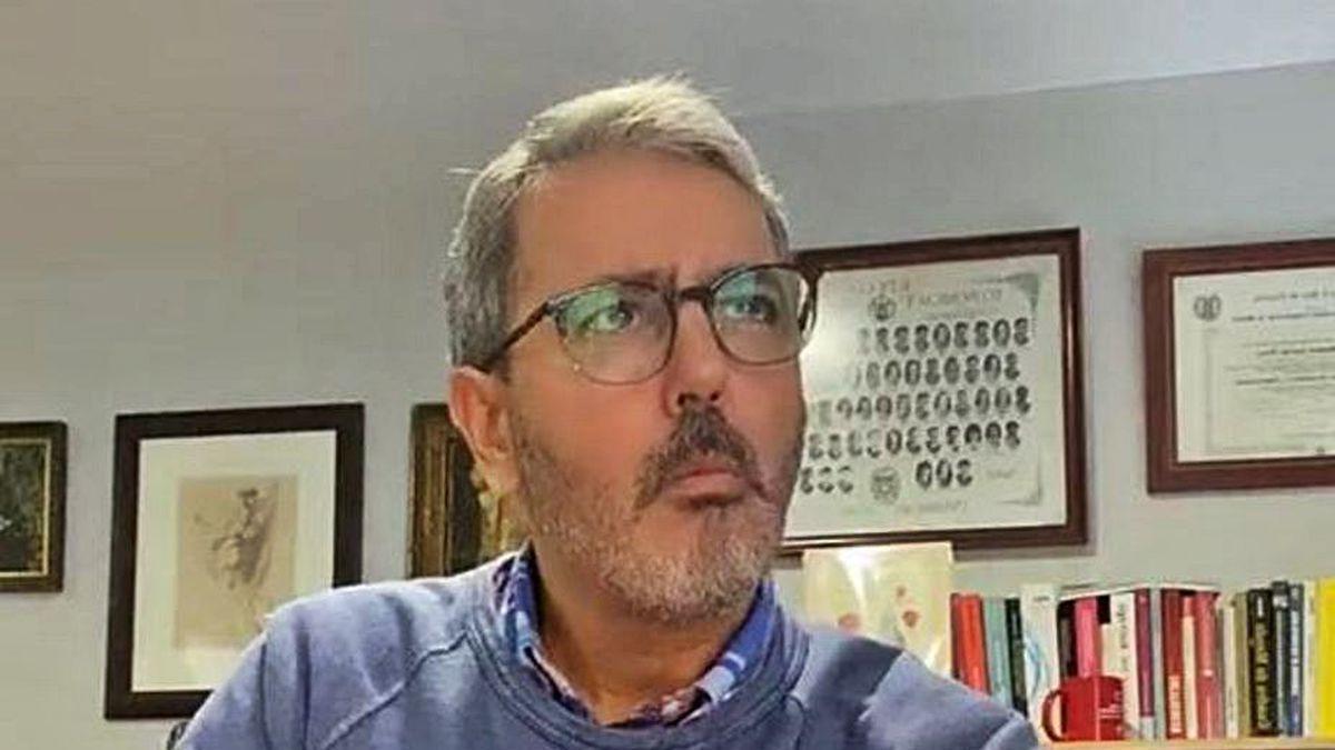El ex portavoz socialista Pepe García, en uno de sus vídeos