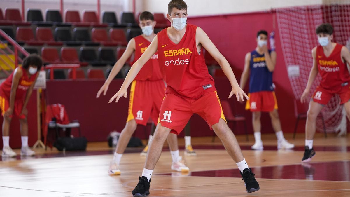 José Luis Marcos, en la reciente concentración de jóvenes valores sub-15 organizada por la Federación Española de Baloncesto.