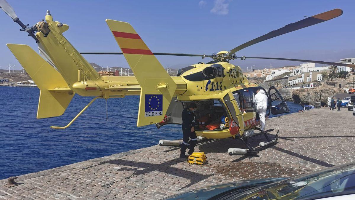 Tres fallecidos y 41 rescatados en el naufragio de un cayuco en Tenerife