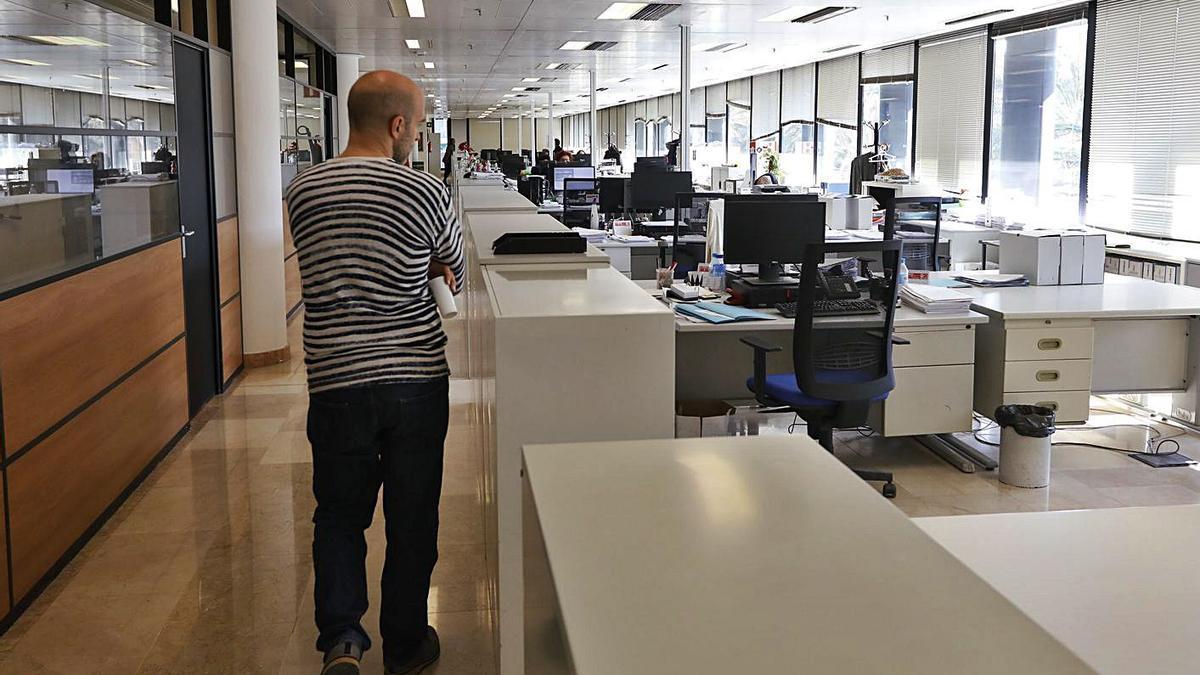 Una de las oficinas de la Agencia Tributaria en la ciudad de València.    M. A. MONTESINOS