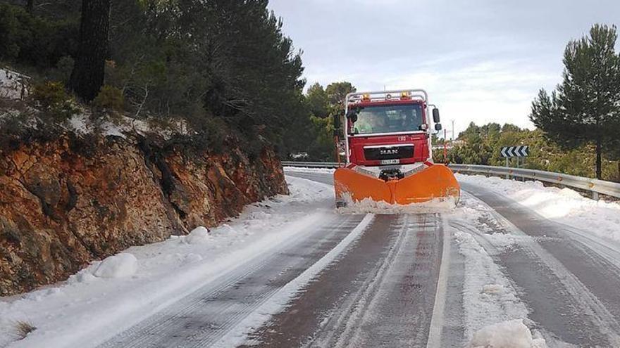La nieve y el hielo han vuelto a visitar Castellón la pasada madrugada
