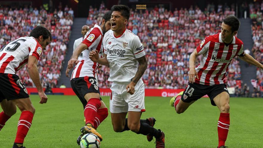 Banega, Escudero y Kjaer, únicas bajas en el Sevilla para el partido ante el Cartagena