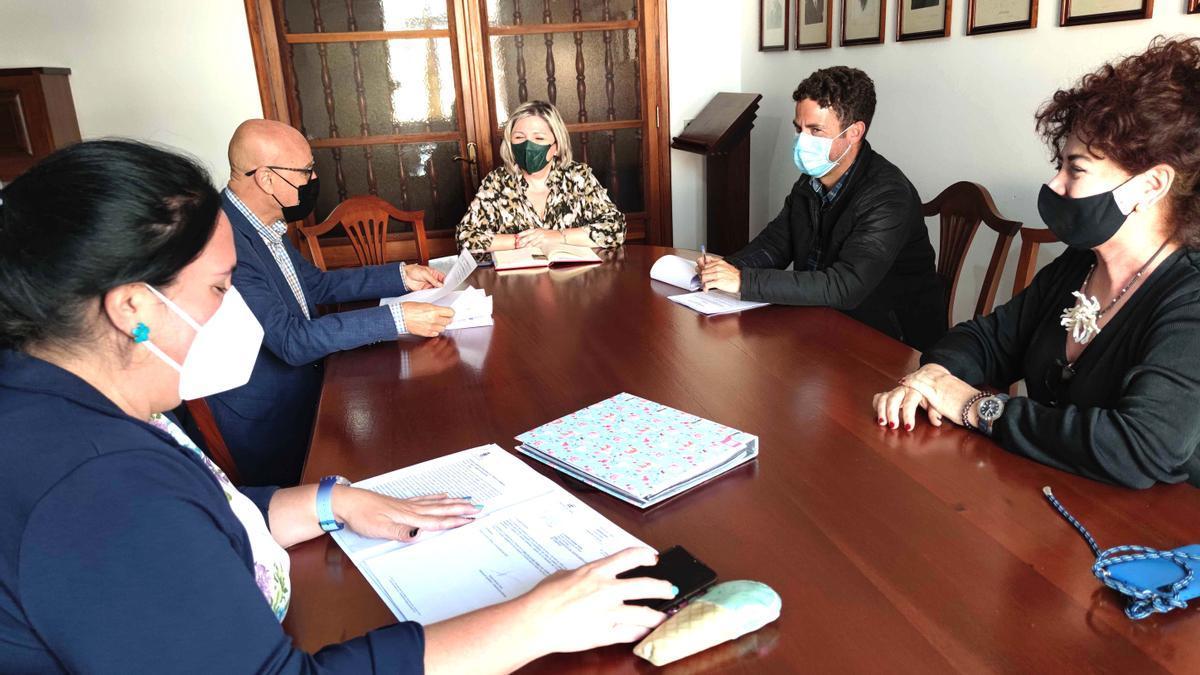 Visita del Diputado del Común al Ayuntamiento de Buenavista del Norte