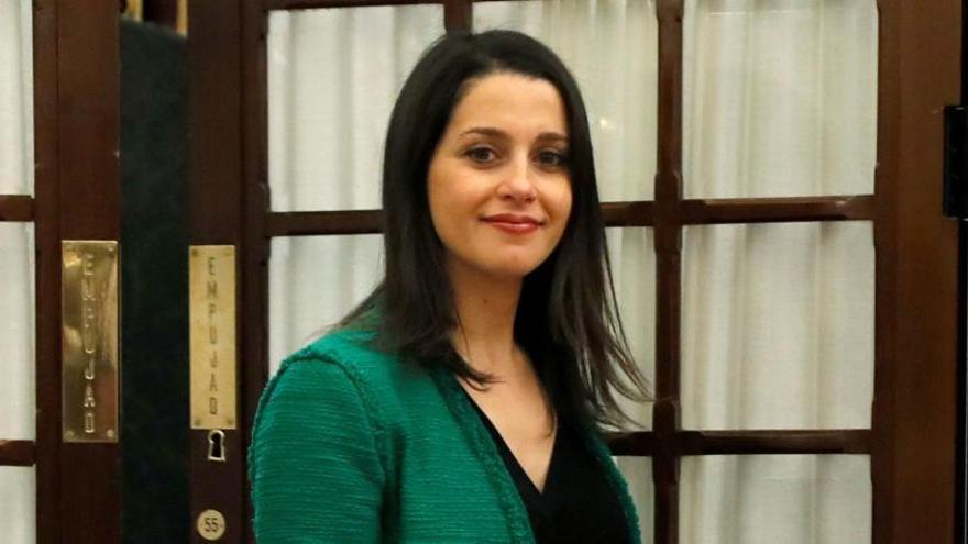 Arrimadas presenta su candidatura sin Garicano y con Marina Bravo como número 2