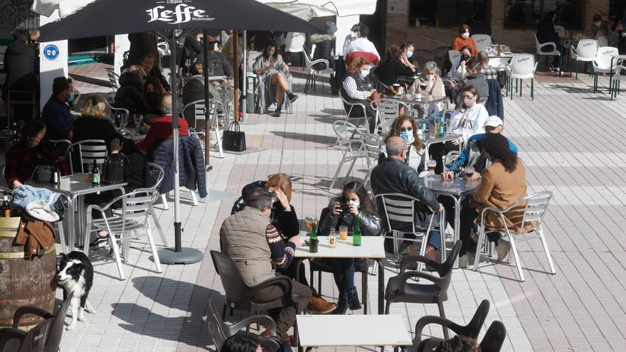El turismo pide movilidad en Semana Santa y Barbón advierte que mantendrá restricciones
