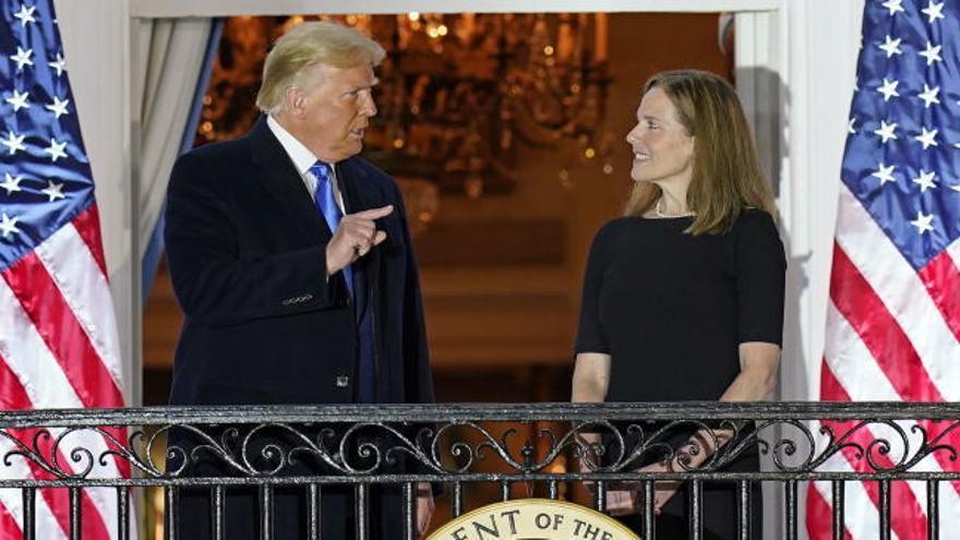 Trump consolida la mayoría conservadora en el Tribunal Supremo con el nombramiento de Amy Coney Barret