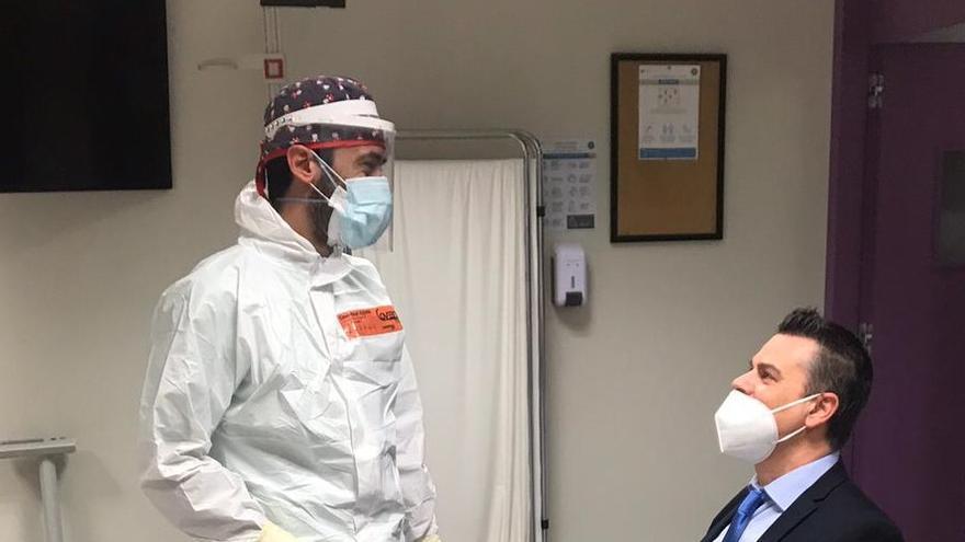 El CEU de Elche somete a pruebas de antígenos a todo su personal y anuncia exámenes a distancia