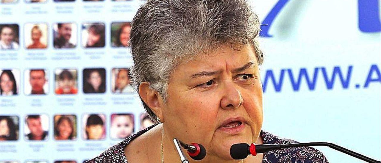 Pilar Vera, presidenta de la Asociación de Víctimas del JK5022, en un acto.