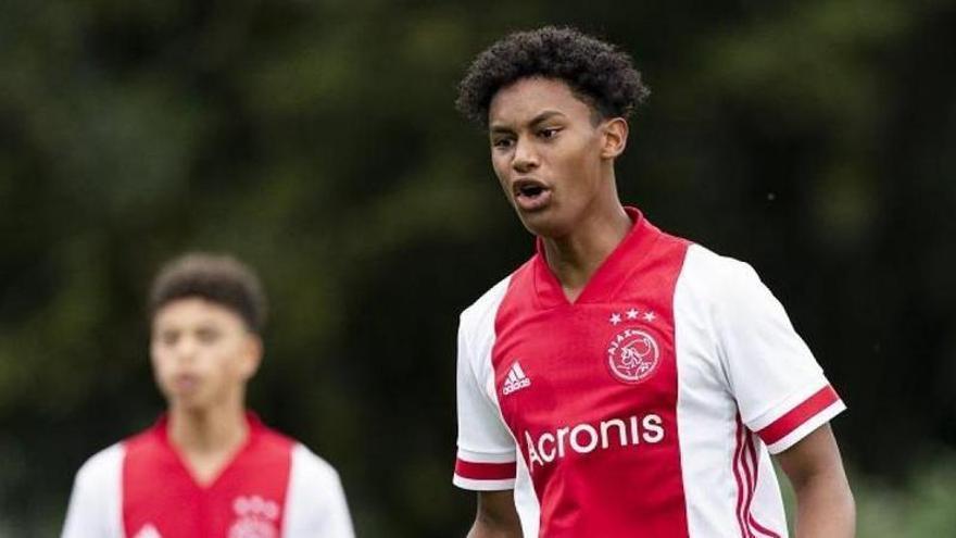 Muere un joven futbolista del Ajax en un accidente