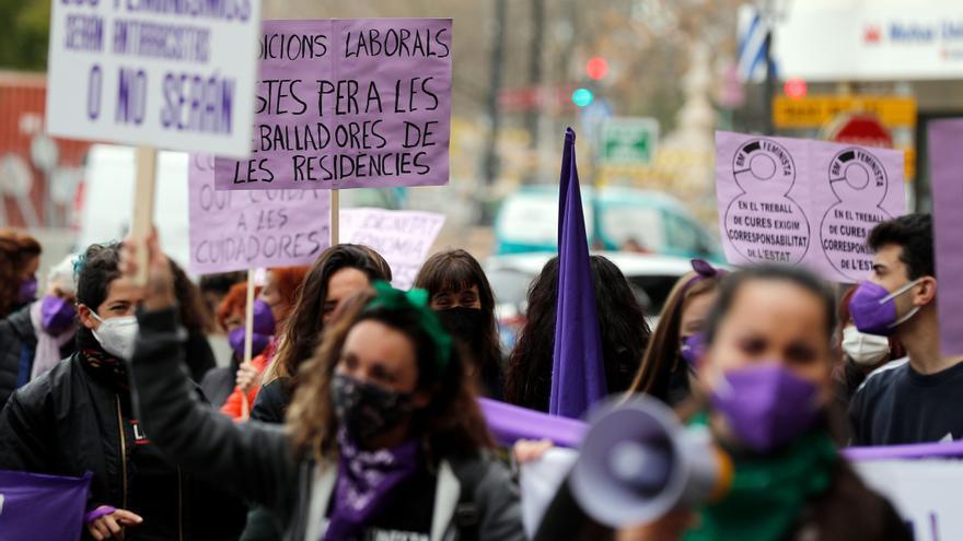 El 8M arranca en València con concentraciones contenidas