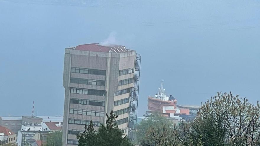 La misteriosa fumata blanca sobre el concello: vino tan pronto como se fue