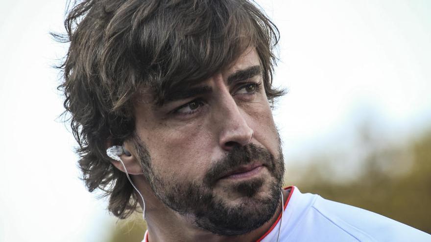 """Alonso: """"Renault tiene todo para volver al podio"""""""