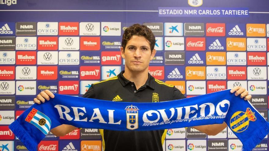 "Leschuk pisa fuerte en el Oviedo: ""Vamos a pelear por ascender"""