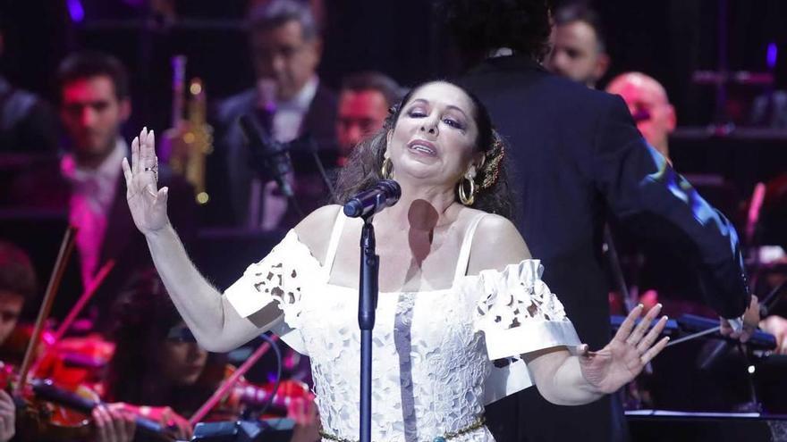 Velas, rosas, jabugo: las exigencias de Isabel Pantoja para actuar