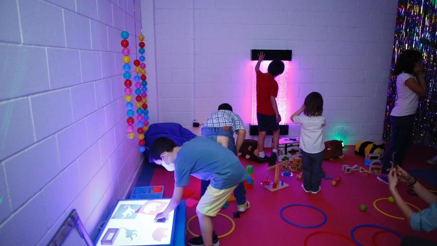 La hermandad de Linares sufraga una sala multisensorial para el colegio Concepción Arenal
