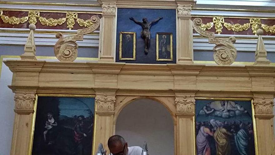 Ador restaura las cuatro tablas de Nicolau Borràs para un retablo en la capilla de la Comunión