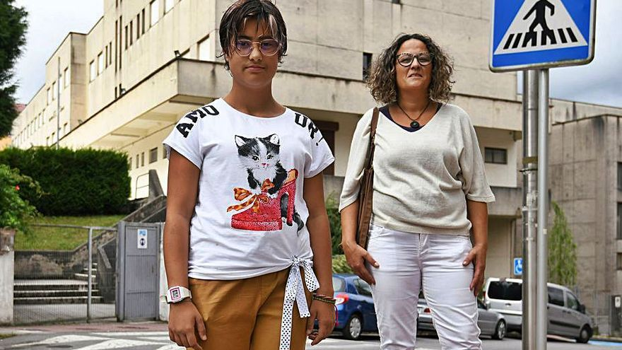 Una alumna del Luís Seoane con pérdida auditiva se queda sin intérprete en el aula