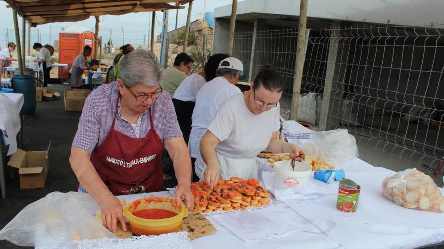 La cuinera Carme Ruscalleda rep l'Anxova d'Or a l'Escala
