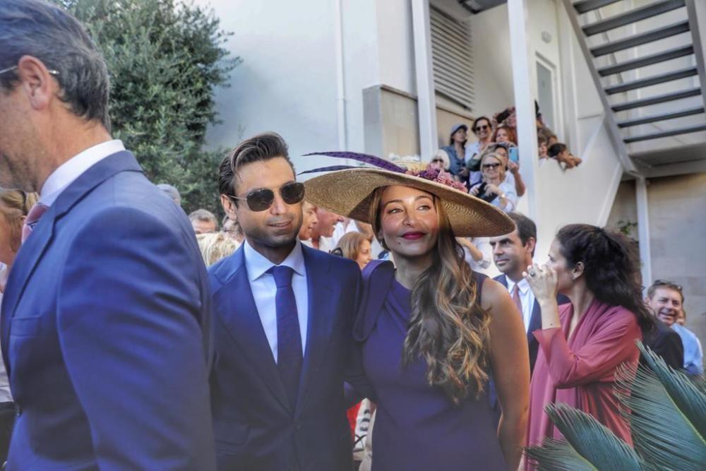 David Ferrer con su mujer.