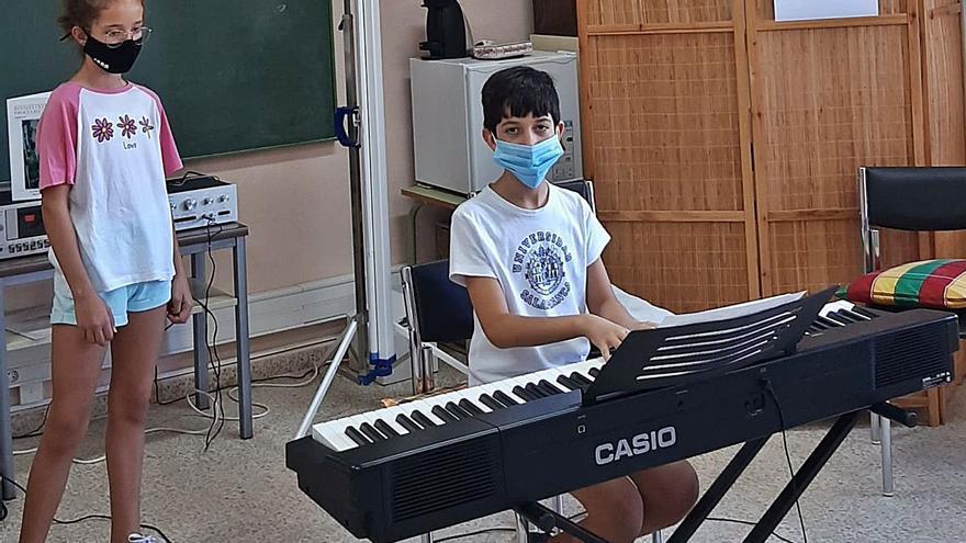 El director de orquesta Ángel del Palacio imparte un taller de piano y canto en Toro