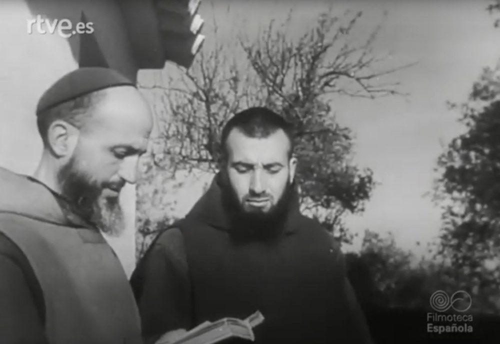 1943 Escena del Nodo de un reportaje de los últimos ermitaños de la sierra.