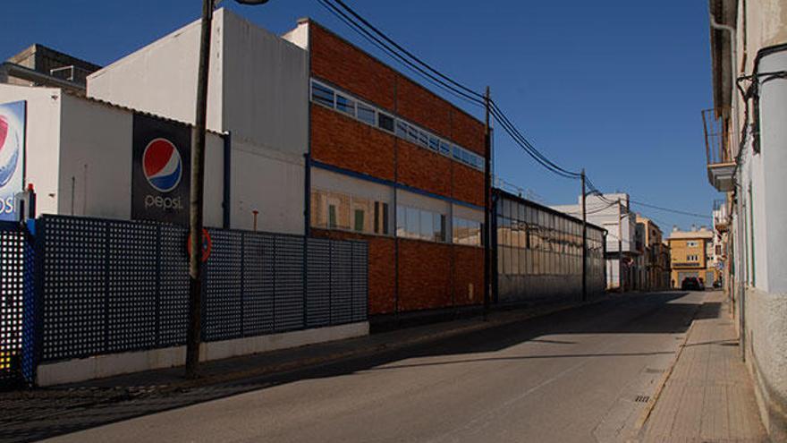 Los trabajadores de Pepsi apoyan el acuerdo para cerrar la fábrica el 15 de marzo