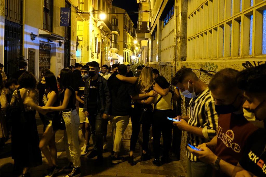 Primera noche sin toque de queda en Málaga después de seis meses