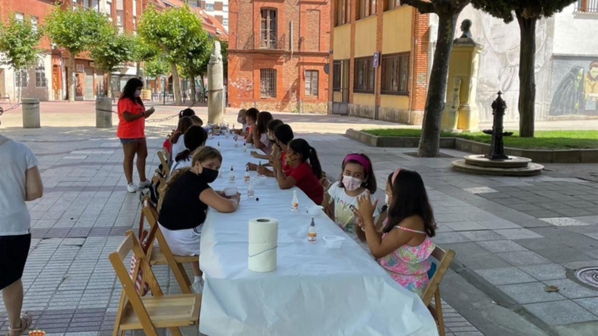 Una de los talleres realizados este verano en La Mota. / E. P.