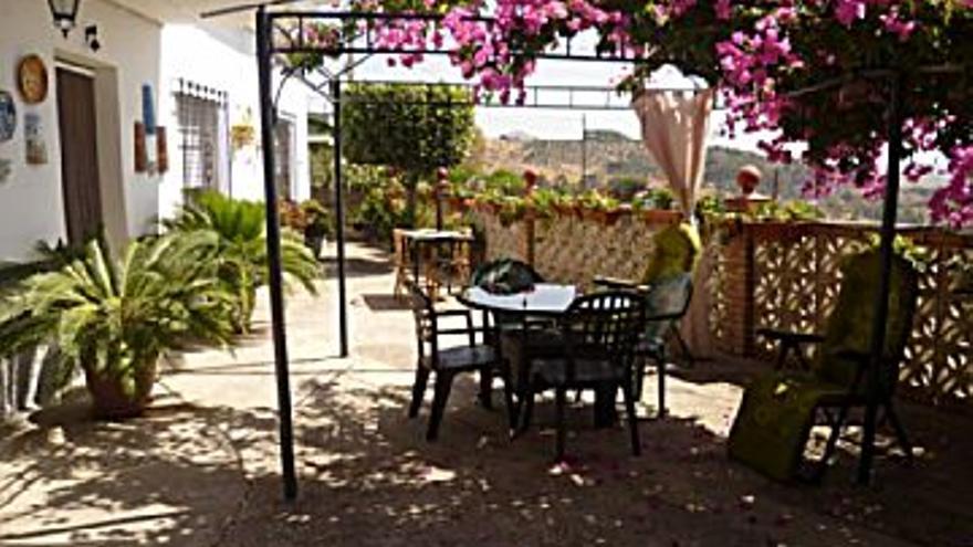 283.500 € Venta de casa en Casarabonela 1072 m2, 4 habitaciones, 1 baño, 264 €/m2...