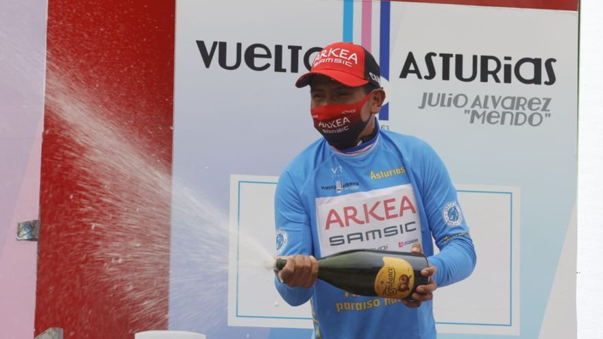 Nairo Quintana, celebrando su éxito.