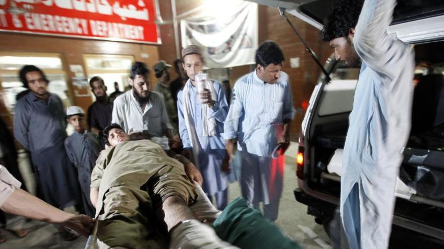 Augmenten a 45 morts i 261 ferits les víctimes en un atemptat al Pakistan