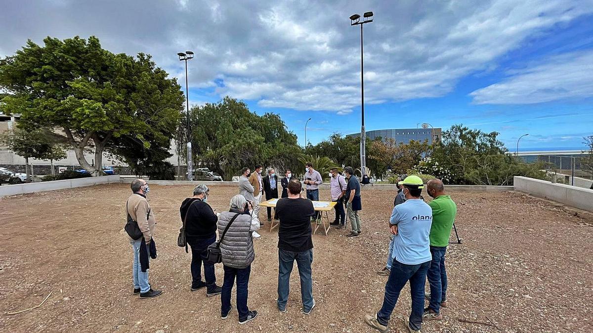 Los dos directores de la obra del parque de La Estrella explican los detalles de la rehabilitación.