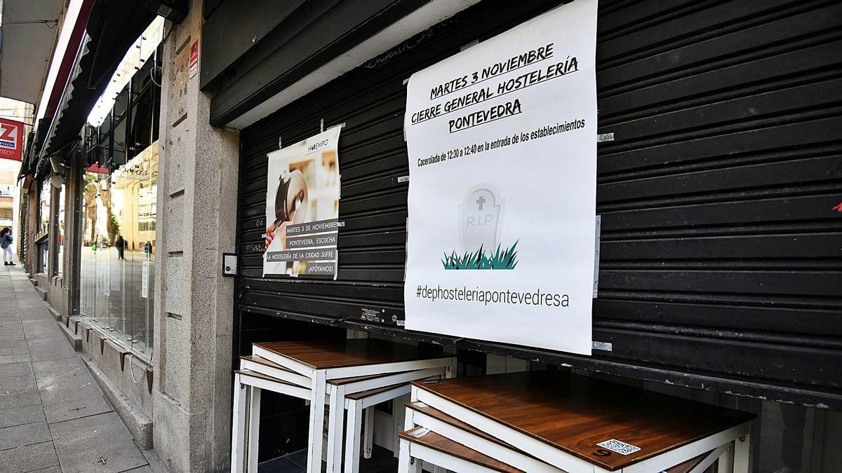 Un local de hostelería de Pontevedra cerrado al público. |   // GUSTAVO SANTOS