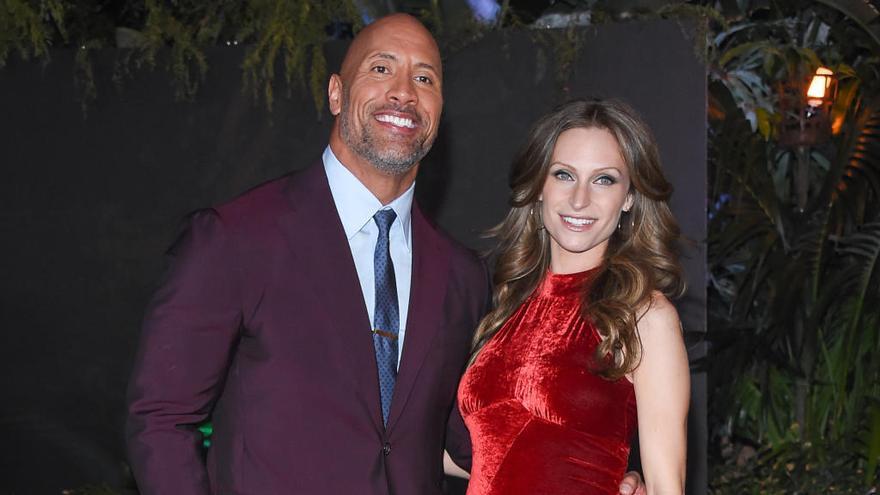Dwayne 'La Roca' Johnson se casa con Lauren Hashian en Hawái