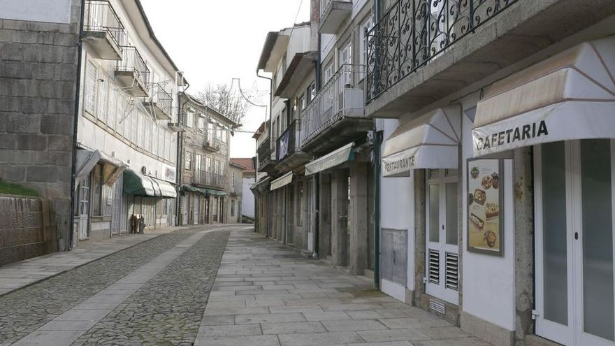 Portugal, un puente de la Restauración confinados en casa desde el mediodía