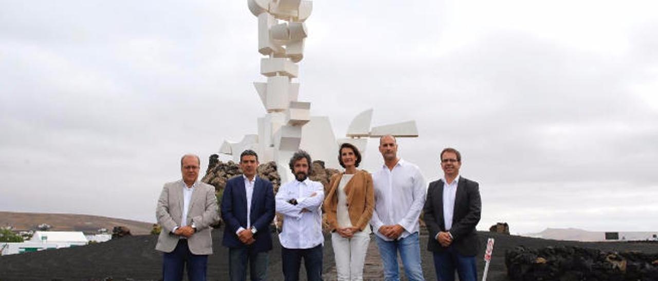 De izq. a dcha., Juan Antonio Alonso, Narvay Quintero, Diego Guerrero, Mariate Lorenzo, Germán Blanco y Antonio Morales, ayer, en El Campesino.