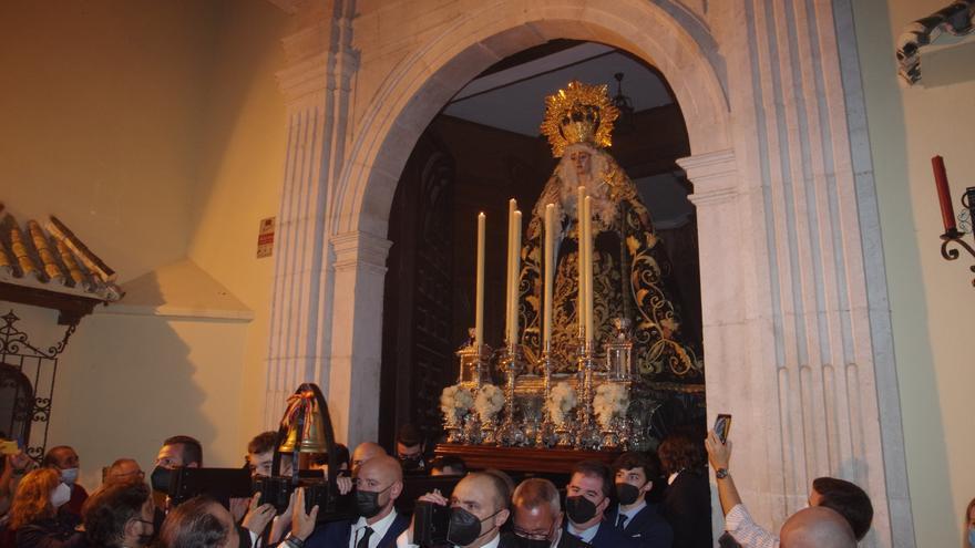 Mediadora, la Virgen del Amor y Traspaso y Soledad salen por el mes del rosario