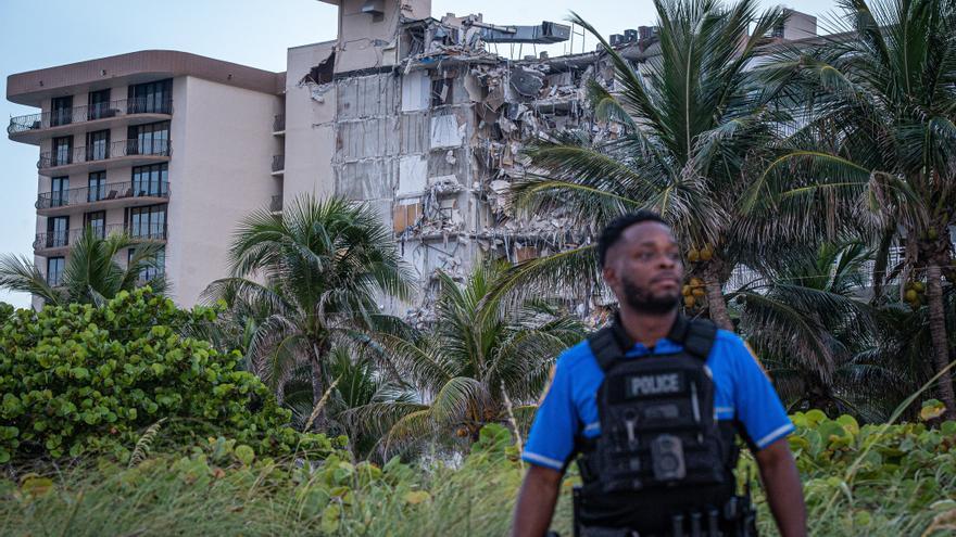 Se derrumba un edificio de apartamentos de 12 plantas en Miami Beach