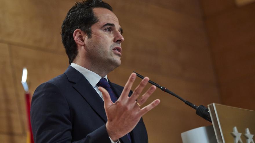 """Madrid estudia levantar el toque de queda """"en los próximos días"""""""