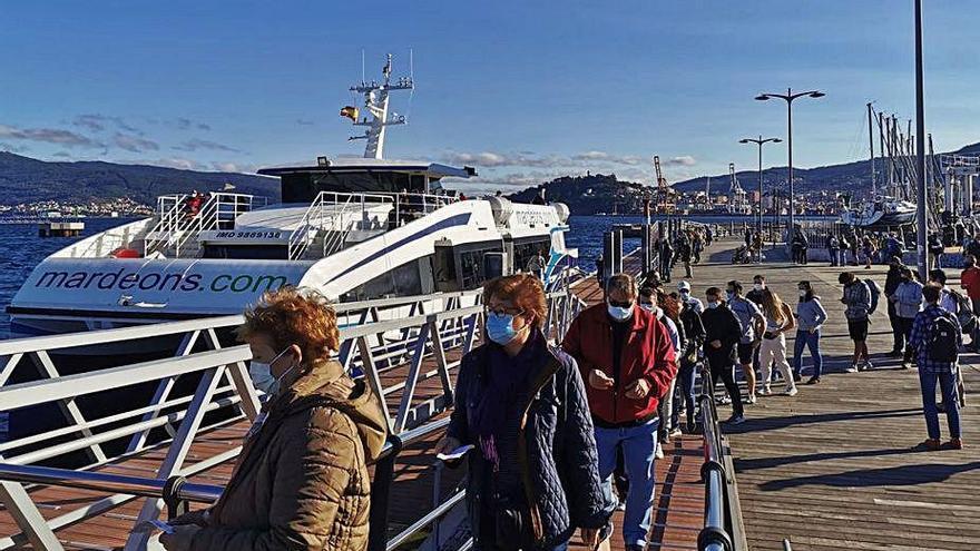 La naviera Mar de Ons organiza viajes a las Cíes durante el puente del Pilar