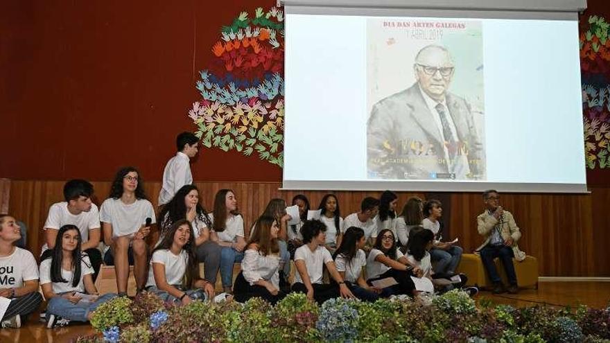 El IES Luis Seoane celebra los 25 años de su nombre de artista