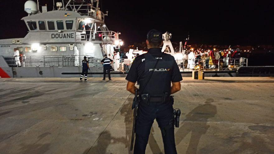 Detenidos tres patrones de pateras por traer migrantes a Baleares