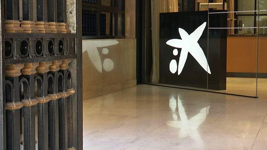 CaixaBank i Bankia podrien convocar dilluns vinent les juntes per a la seva fusió