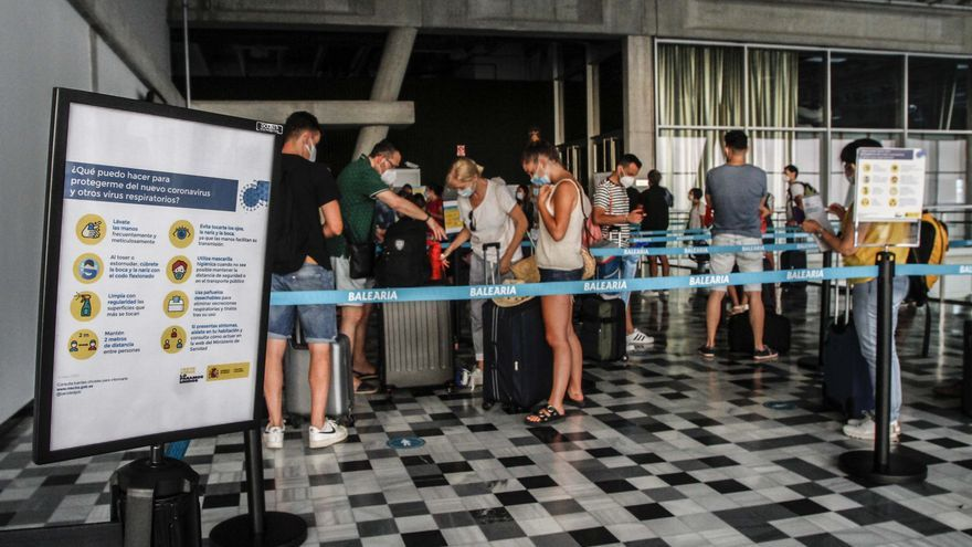 Los pasajeros de Baleària pueden hacerse una prueba de antígenos en  Dénia antes de embarcar a Baleares