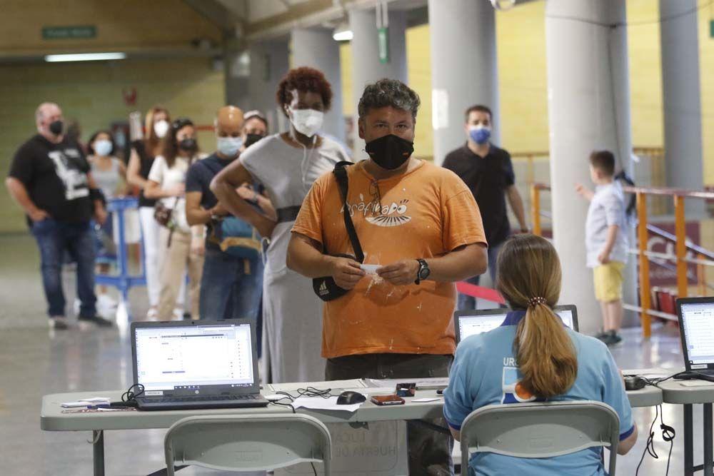 Comienza la vacunación covid en el pabellón de Vista Alegre