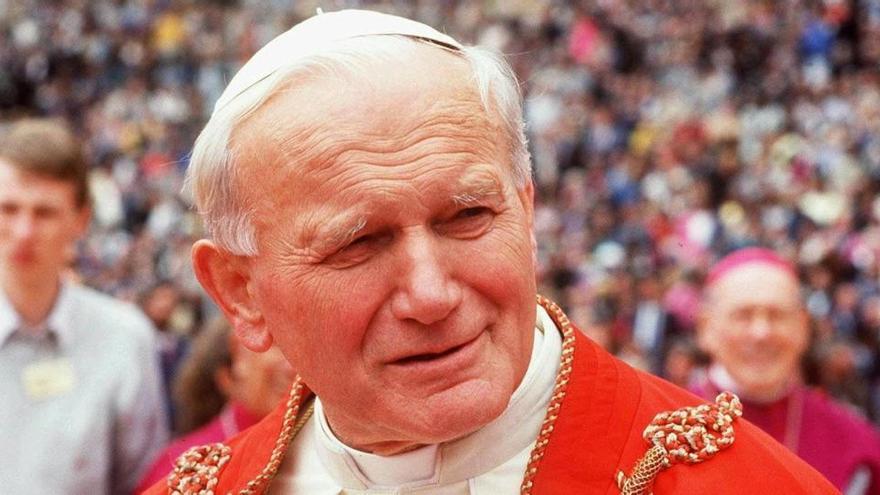 El biógrafo de Juan Pablo II le defiende en el caso MCcarrick