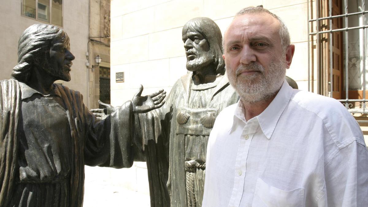 joaquín Serrano junto al Ternari, en imagen de archivo