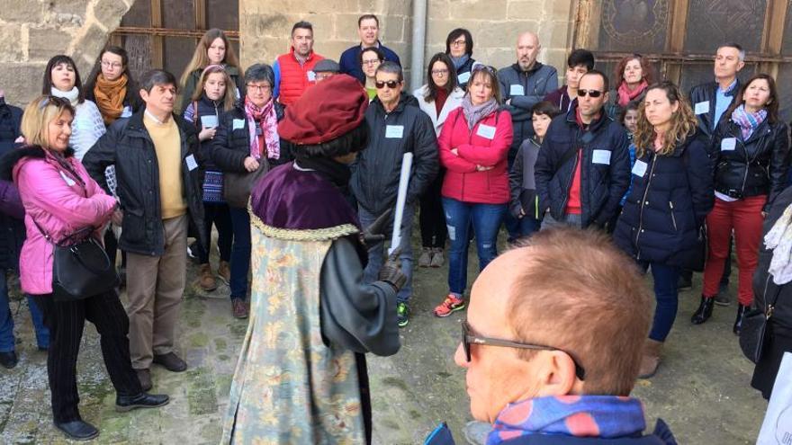 L'Aixada repeteix les visites a la Seu guiades pel personatge Berenguer de Montagut